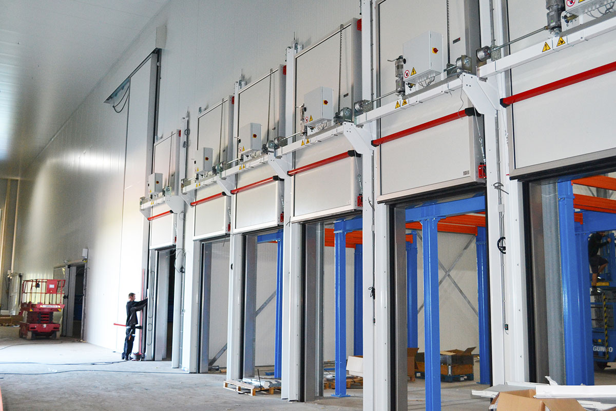 Air Lock Vertical Sliding Doors Salco Insulated Doors Llc