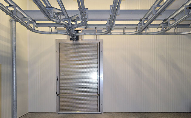 ... and the doors are equipped with a lowering and lifting rail system. They can be sliding or hinged and the operation can be manual or electrical with ... & MEAT RAIL DOORS | SALCO INSULATED DOORS LLC